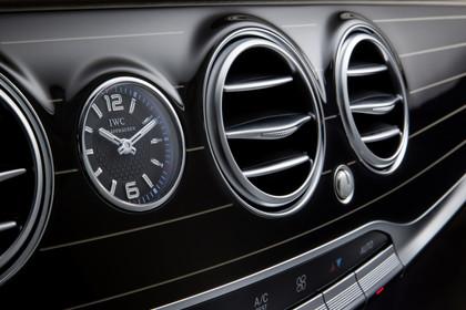 Mercedes Maybach S-Klasse X222 Innenansicht Detail Lüftungsdüsen statisch schwarz