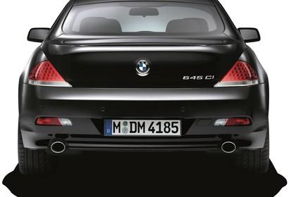 BMW 6er Coupé E63 Aussenansicht Heck statisch Studio schwarz