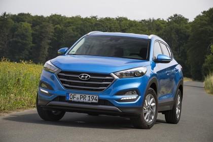 Hyundai Tucson TLE Aussenansicht Front schräg statisch blau