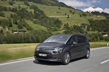 Citroën Grand C4 Picasso 2 Aussenansicht Front schräg dynamisch grau