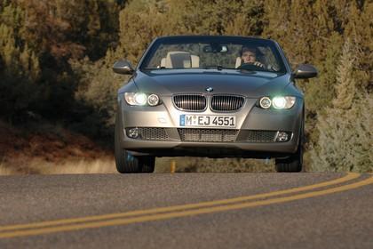 BMW 3er Cabriolet Aussenansicht Front dynamisch beige