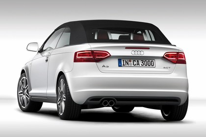Audi A3 8P Cabrio Aussenansicht Heck Dach geschlossen Studio statisch weiss