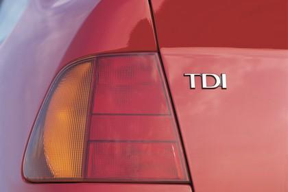 VW Polo 3 Limousine 6N Aussenansicht Heck schräg statisch Detail Rückleuchte links