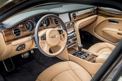 Bentley Mulsanne Innenansicht statisch Studio Vordersitze und Armaturenbrett fahrerseitig
