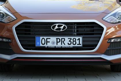 Hyundai i30 GD/GDH Aussenansicht Detail Front statisch braun