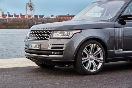 Land Rover Range Rover 4 Aussenansicht Detail Front statisch grau