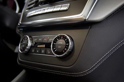 Mercedes M-Klasse W166 Innenansicht Detail Klimaanlage statisch schwarz