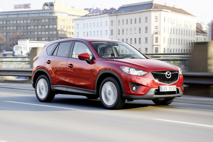 Mazda CX-5 KE Aussenansicht Front schräg dynamisch rot
