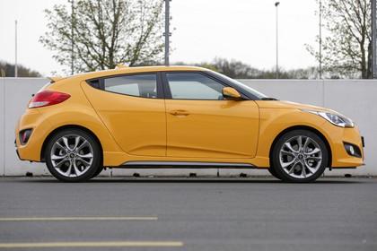 Hyundai Veloster FS Aussenansicht Seite statisch gelb