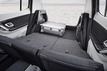 Skoda Fabia 5J Aussenansicht Kofferraum geöffnet statisch schwarz