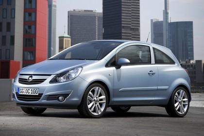 Opel Corsa D 3Türer Aussenansicht Front schräg statisch silber