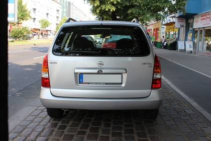 Opel Astra G Caravan Aussenansicht Heck statisch silber