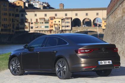 Renault Talisman RFD Aussenansicht Heck schräg statisch braun