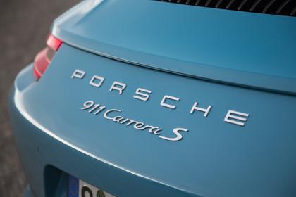 Porsche 911 Carrera S 991.2 Aussenansicht Heck schräg statisch Detail 911 Carrera S Schriftzug