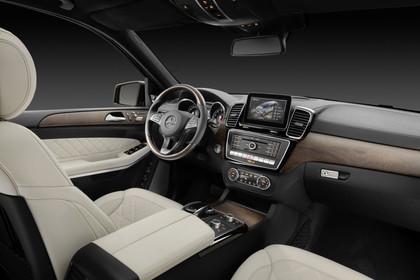 Mercedes-Benz GLS X166 Innenansicht Beifahrerposition Studio statisch beige