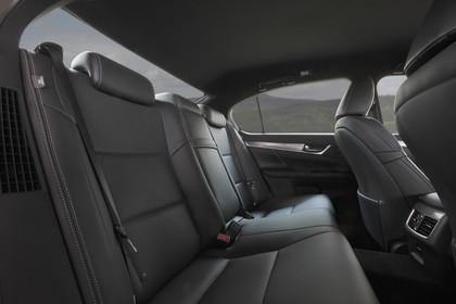 Lexus GS L10 Innenansicht statisch Rücksitze beifahrerseitig