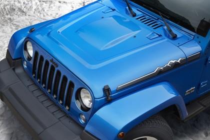 Jeep Wrangler Unlimited JK Aussenansicht Front Detail Motorhaube statisch blau