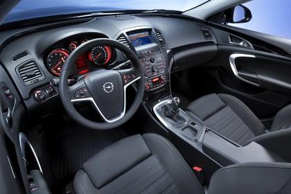 Opel Insignia A Innenansicht Fahrerposition Studio statisch schwarz