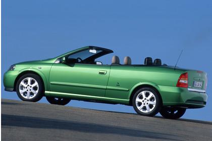 Opel Astra G Cabrio Seite statisch grün