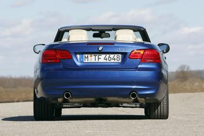 BMW 3er Cabriolet LCI Aussenansicht Heck statisch blau