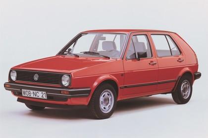 VW Golf 2 Studio Aussenansicht Front schräg statisch rot