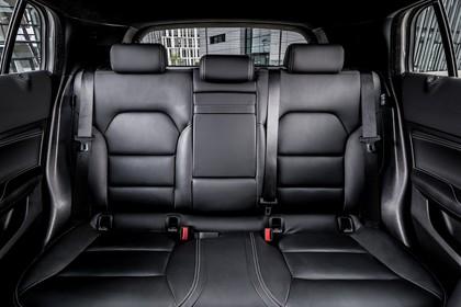 Infiniti QX30 Innenansicht statisch Rücksitze