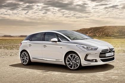 Citroën  DS5 K Aussenansicht Seite schräg statisch weiss