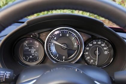 Mazda MX-5 ND Innenansicht statisch Detail Armaturenbrett
