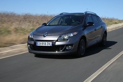 Renault Mégane Grandtourer Z Aussenansicht Front schräg dynamisch grau