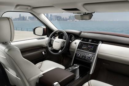 Land Rover Discovery LR Innenansicht Cockpit statisch weiß schwarz