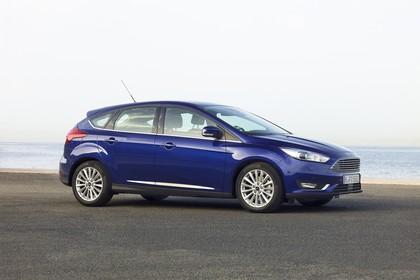Ford Focus Schrägheck Mk3 Seite schräg statisch blau