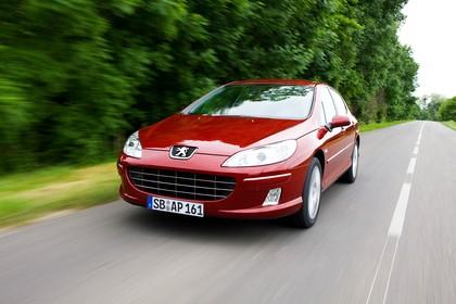 Peugeot 407 6 Facelift Limousine Aussenansicht Front schräg dynamisch rot
