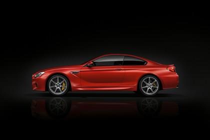 BMW M6 Coupé F13 Aussenansicht Seite statisch Studio rot