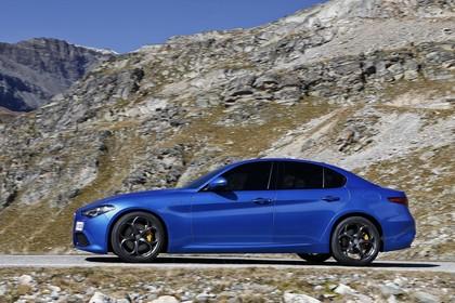 Alfa Romeo Giulia ZAR 952 Aussenansicht Seite schräg statisch blau