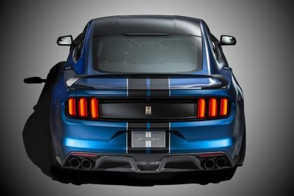 Ford Mustang Shelby GT350R Coupe LAE Aussenansicht Heck statisch Studio blau