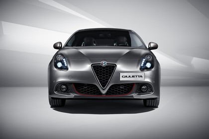Alfa Romeo Giulietta 940 Aussenansicht Front statisch Studio grau
