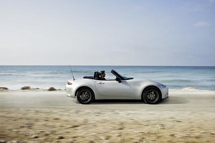 Mazda MX-5 ND Aussenansicht Seite dynamisch weiss