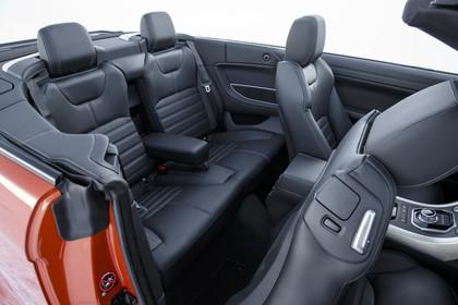 Land Rover Range Rover Evoque Cabrio L538 Innenansicht Studio Detail statisch grau rot schwarz Innenausstattung