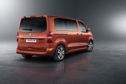 Peugeot Traveller V Aussenansicht Heck schräg statisch Studio orange