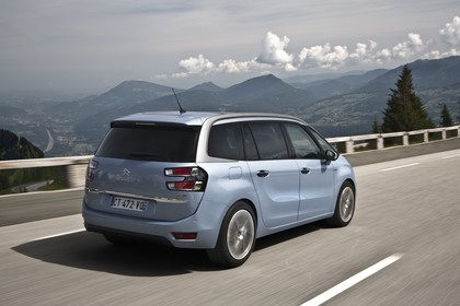 Citroën Grand C4 Picasso 2 Aussenansicht Heck schräg dynamisch blau