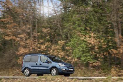 Citroën Berlingo Multispace 7 Aussenansicht Seite schräg dynamisch blau