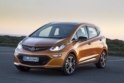 Opel Ampera-e Aussenansicht Front schräg statisch gold