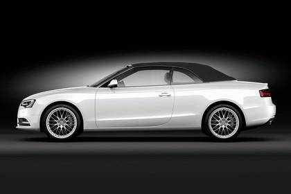 Audi A5 Cabrio Aussenansicht Seite Dach geschlossen Studio statisch weiss
