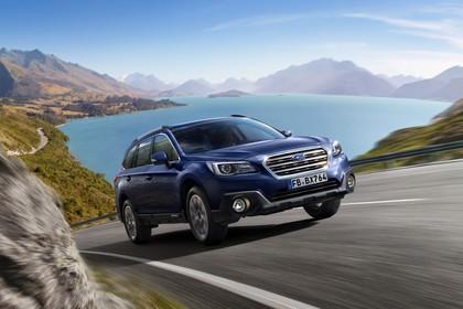 Subaru Outback Aussenansicht Front schräg dynamisch dunkelblau