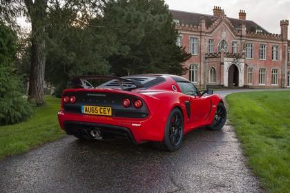 Lotus Exige Sport 350 Aussenansicht Heck schräg statisch rot
