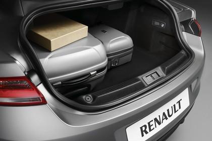 Renault Laguna Coupé T Innenansicht statisch Studio Kofferraum