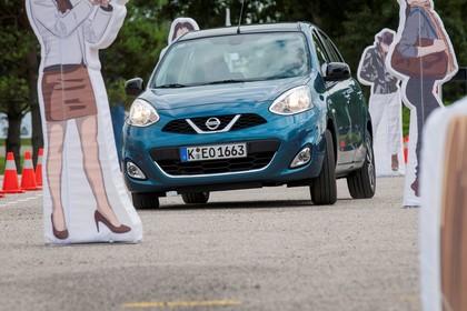 Nissan Micra K13 Aussenansicht Front schräg dynamisch blau