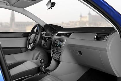 SEAT Toledo NH Innenansicht Vordersitze und Armaturenbrett beifahrerseitig