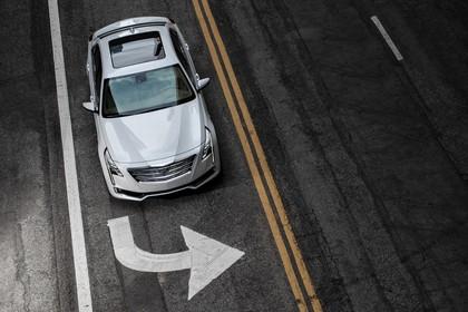 Cadillac CT6 Limousine Aussenansicht Front erhöht statisch weiss