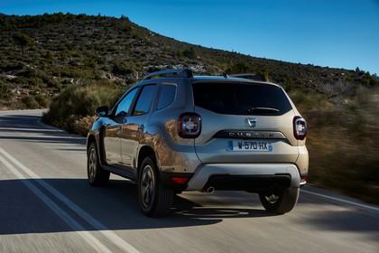 Dacia Duster SR Aussenansicht Heck schräg dynamisch grau